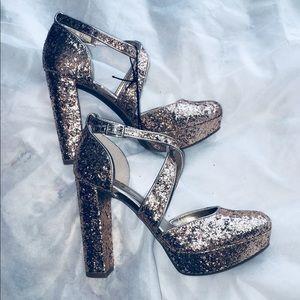 🚨NEW🚨 Guess Rock Candy Glitter Gold Heel 6.5